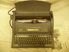 Máquina De Escribir Eléctrica Olivetti Dora 204 SP + instrucciones utilizado una vez + Cubierta de clave