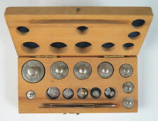 Boxed apothecary (flat type) weights (8 round weights)