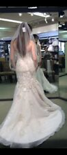 Beautiful trumpet/mermaid wedding gown/zip back Sz 6