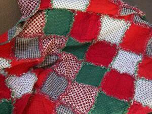 Christmas Rag Quilt ~ Holly Berries ~ Green ~ Red ~ White ~ Farmhouse Charm~