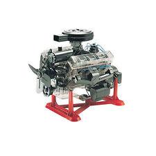 Revell 1 4 Visible V-8 Engine Plastic Model Kit