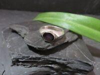 Schöner Silber Ring Granat Modern Schlicht Designer Rot Dunkel Klassiker Top