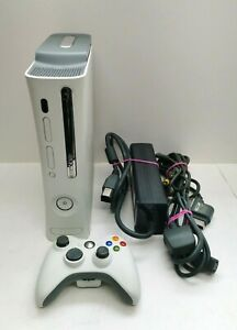 Microsoft Xbox 360 Console 1 Controller, Power & AV Cable