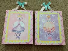 Girls Room Decor. Princess Canvas Wall Hangings Setbof 2. Euc!