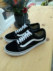 Old Skool Black And White Suede Lace Vans Size UK 6 VGC
