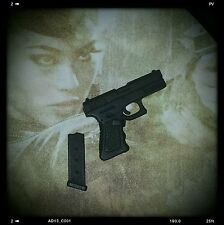 1/6 Hot Toys Sucker Punch Amber MMS158 Figure Pistol With (1) Clip US Seller