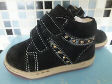 NEW GIRLS LEATHER CHICCO SHOES UK SIZE 2  / EU 18