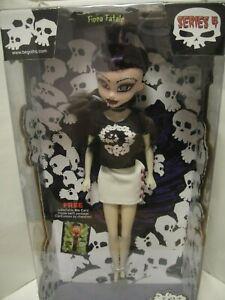 """Fiona Fatale"" Bleeding Edge Doll"