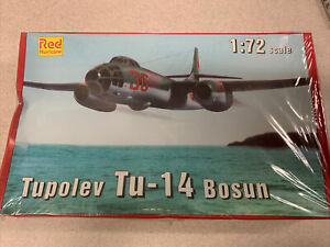 1|72 Model Plane Tupolev Tu-14 Bosun Red Hurricane D12-5359 FACTORY SEALED