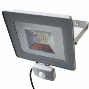 Faro LED 30W Luce Alta Luminosita 3700lm Faretto esterno con Sensore Movimento