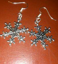 hand-made snowflake drop/dangle earrings- - girls/ladies - Xmas