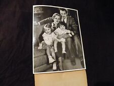 Original 1935 News Photo JOHN BARRYMORE with Wife DOLORES COSTELLO and Children
