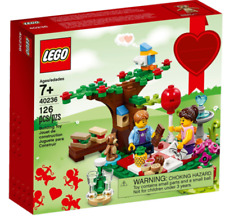 Lego 40236 Romantic Valentine Picnic BNISB Lego Exclusive Retired Hard to Find