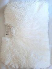 """New White Cushion Bath Mat 17""""×23"""" Faux Furry And Soft"""