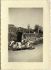PHOTO ANCIENNE - VINTAGE SNAPSHOT - MOTO MOTOCYCLETTE MOTOBÉCANE - MOTORBIKE