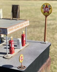 HO Scale Gas Station Accessories Kit by Showcase Miniatures (2359)