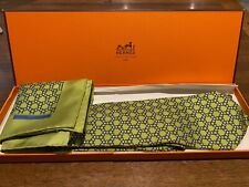 Vintage Mens boxed yellow green Hermes blue tie and handkerchief set 5339 TA