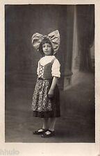 BL658 Carte Photo vintage card RPPC Enfant mode fashion fillette noeud cheveux