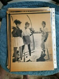 1982 LOU BROCK ST. LOUIS CARDINALS SPRING INSTRUCTOR   A.P. WIRE LASERPHOTO