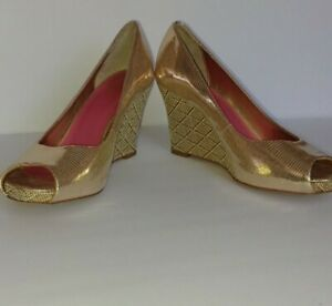 Lilly Pulitzer Gold Wedge Heel - size 8