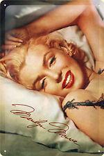 Nostalgic Art Marilyn Monroe Norma Jeane im Bett Kopfkissen Blechschild 20 x 30