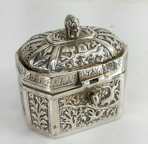 Antique Indian Colonial Repousse Silver Tea Caddy Betel Nut Box Elephant Finial