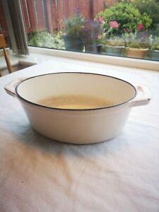 Oval Enamelled Cast Iron Casserole Dish, Cream colour.