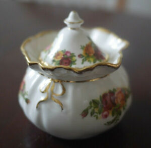 Royal Albert Old Country Roses Small Lidded Dish Giftware