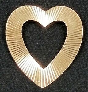 """Vintage 1970's 14K Yellow Gold Swiss Cut Ribbed Design Heart Pin Brooch 1.5"""""""