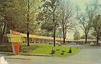 RICHMOND INDIANA~TOWN & COUNTRY MOTEL-3643 EAST MAIN ST-HWY 40  & 30 POSTCARD