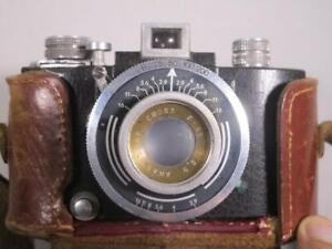 Alte, kleine Kamera mit Anastigmat Cross  F=45  1:2,9  + Tasche    1M4550