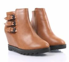 Camel Buckle Straps Faux Leather Wedge Heels Womens Combat Ankle Boots Size 6