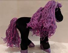 GROOVY GIRLS Black Horse