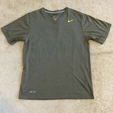 Nike Mens Dri Fit V Neck T-shirt Medium Perfect Condition