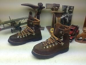BROWN DISTRESSED VINTAGE MADE IN ITALY THOM MCAN ENGINEER TRAIL BOSS BOOTS 8 D