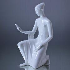 KPM Berlin: Figur Mädchen mit Spiegel, Suse Müller-Diefenbach, Weiss, Statuette