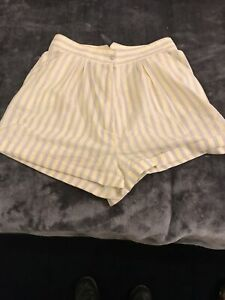 St Michael  Vintage shorts. M&S Shorts. Size 16 Yellow And Grey Coloured Shorts.