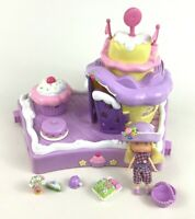 Strawberry Shortcake Berry Cute House with Angel Cake Doll and Accessories 2002