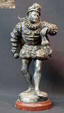 N1 1890 superbe statue bronze RAPHAEL sculpture mousquetaire en arme épée 28c3kg