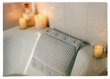 White Cushioned Bath Pillow With 8 Slip-resistant Suction Cups