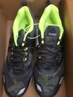 REEBOK MEN'S SHOES AHARY RUNNER SIZE 11 ASH  GREY NEW IN BOX