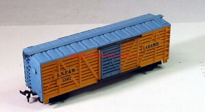 HO~Laramie,North Park & Western/LNP&W RR~#53412~40' Stock Car~Tyco~w/Horses
