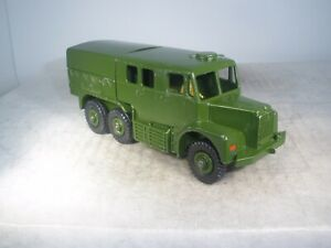 Dinky Toys Military Army MEDIUM ARTILLERY TRACTOR #689 OUTSTANDING