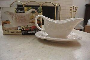 Gibson 2 Piece Fine Stoneware 1 3/4 Cup Gravy Boat Fruit Decoration