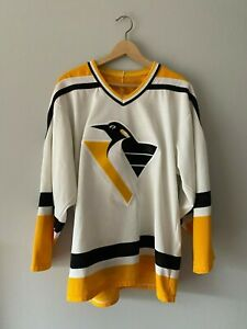 CCM Pittsburg Penguins Jersey Size Medium