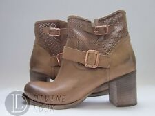 $380 NWD Cordani Pompano Perf Pull-on Boots Camel Women's 11
