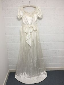 """Vintage Wedding Dress - Ivory White Lace Satin Bridal Puff Sleeve Gown - W 34"""""""