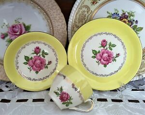 VINTAGE ALFRED MEAKIN ENGLAND ROSE PATTERN WITH YELLOW & GOLD BORDER TRIO C1940