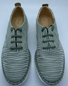 Clarks Shoes Women's Mzt Blithe Low-Top Sneakers Comfortable Light Green Sz 9.5