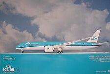 Hogan Wings 1:200 Boeing 787-9  KLM PH-BHF  LI10833 + Herpa Wings Katalog